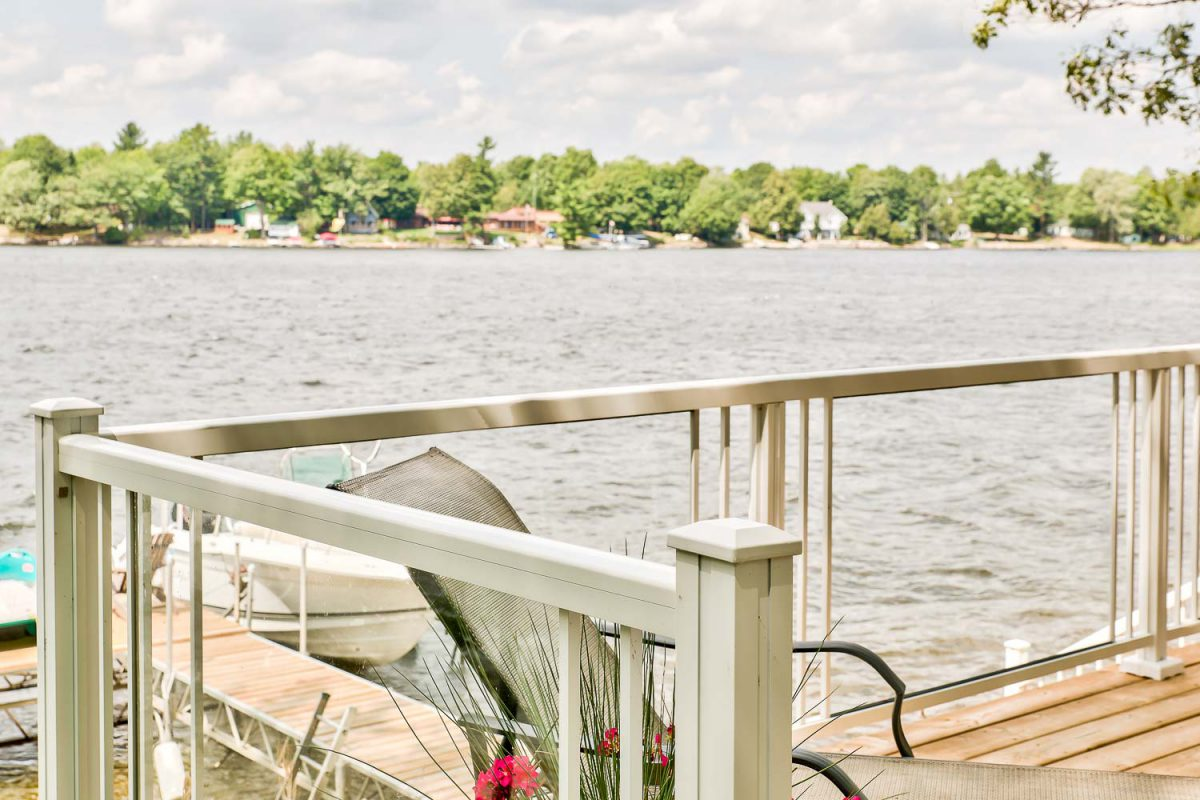 Lakeview railing 1
