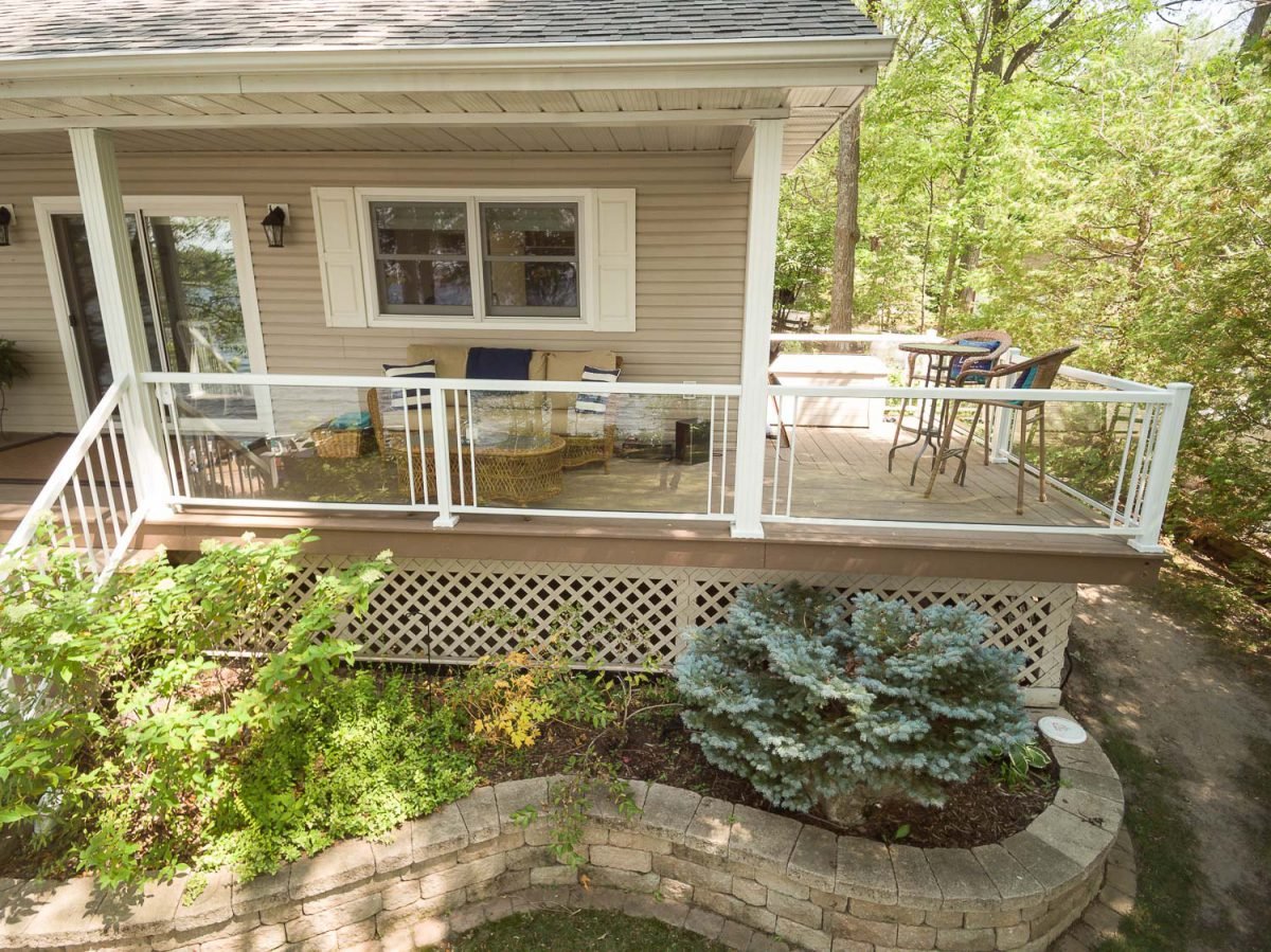 glass railing side deck