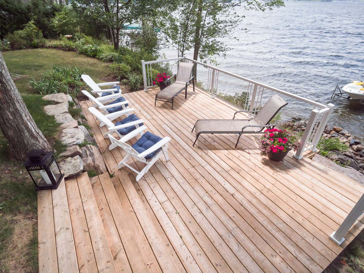 lakeside deck & railing