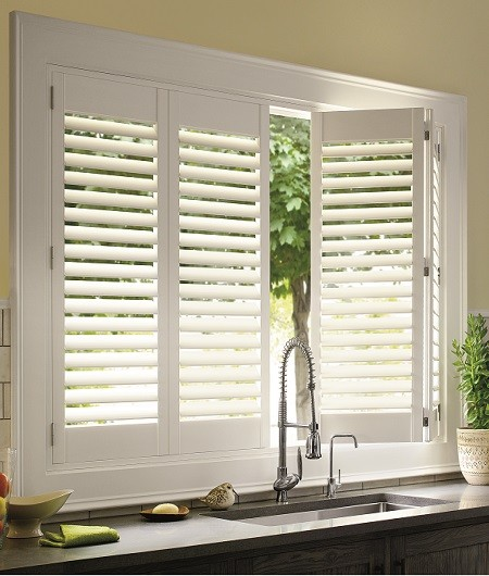 california-shutters-with-lacqured-finish